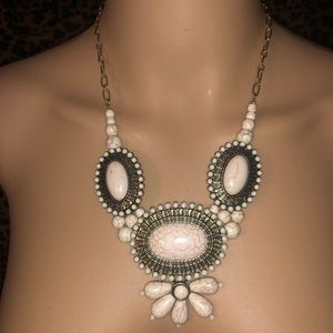 EUC BoHo ivory colored stone statement necklace